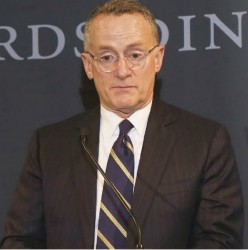 Howard Marks Honored with Lifetime Achievement Award, Featured in Wharton Magazine